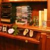 Libreria Beatrice Valeria: Tiretto in pelle per mettere in evidenza le cose più care.