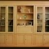 Libreria Caterina: Grande libreria dalle line classiche e laccata e invecchiata per aumentarne la classicità.