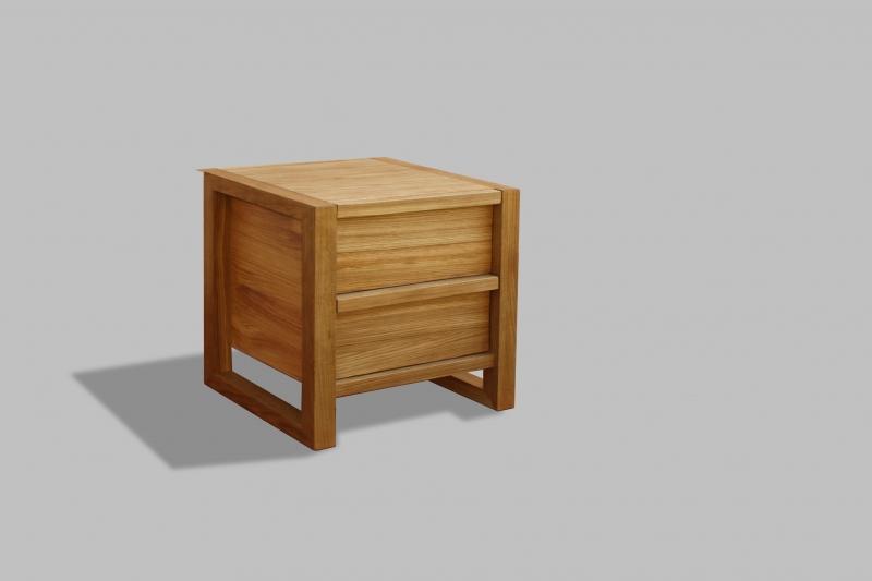 Comodino Melua: Il comodino Melua realizzato in quercia massello, con i cassetti a rientro graduale.