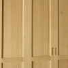 Armadio Sara: Particolare delle manglie incassate dello'armadio Sara.